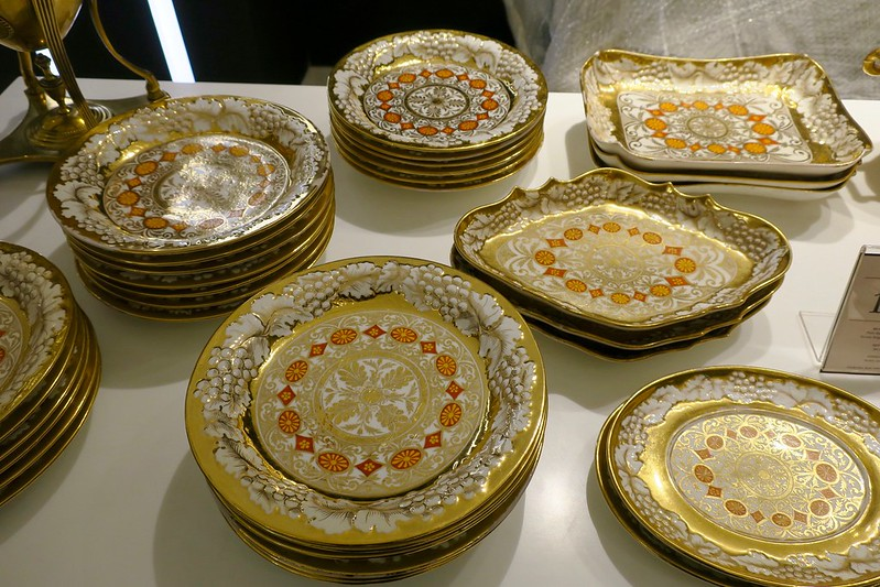 English porcelain service plates