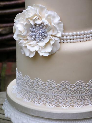 sugar lace wedding cake lynette horner flickr. Black Bedroom Furniture Sets. Home Design Ideas