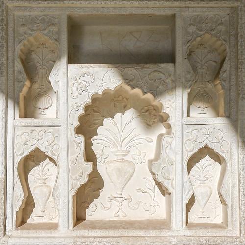 Beautiful wall decoration in Amer Fort, Jaipur, India ジャイプール、アンベール城の美しい壁の装飾