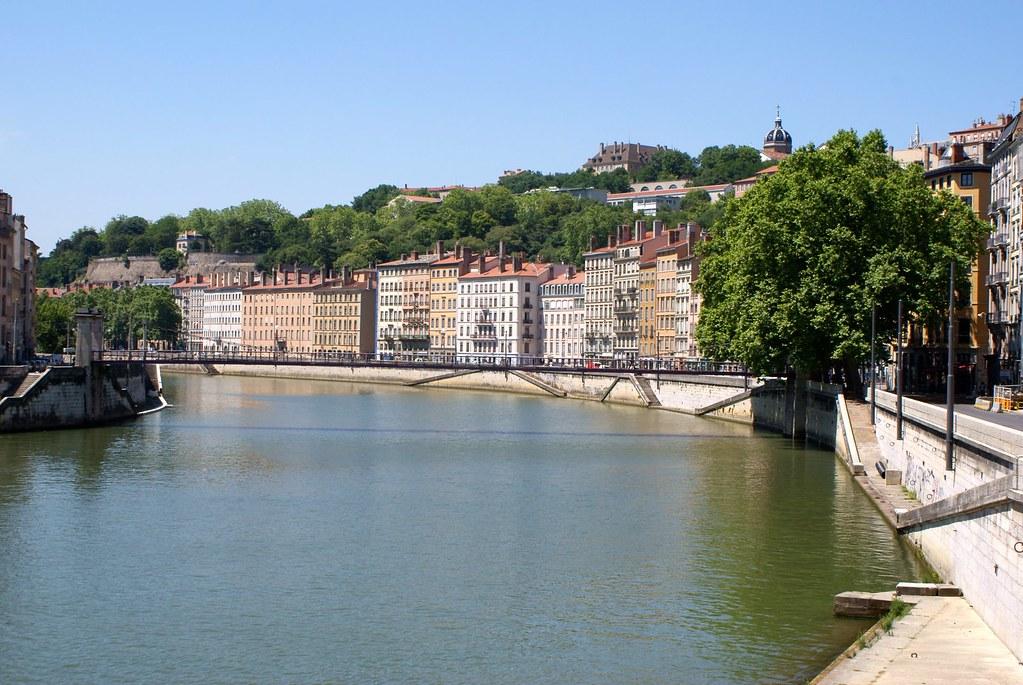 Quai de Saône au niveau du 1er arrondissement de Lyon (avant l'aménagement des berges).