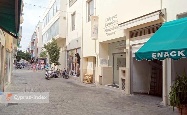 Вход в башню Shacolas с улицы Ledra, Никосия, смотровая площадка Shacolas Tower