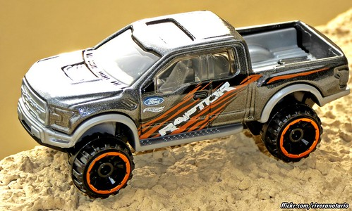 Hot Wheels | Ford F-150 Raptor 2017