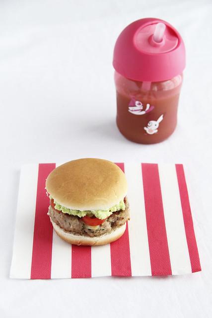 Hamburger di vitello con crema avocado_Avent I