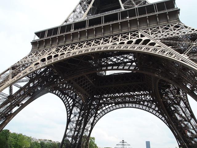 P5271756 エッフェル塔(La tour Eiffel) paris france パリ