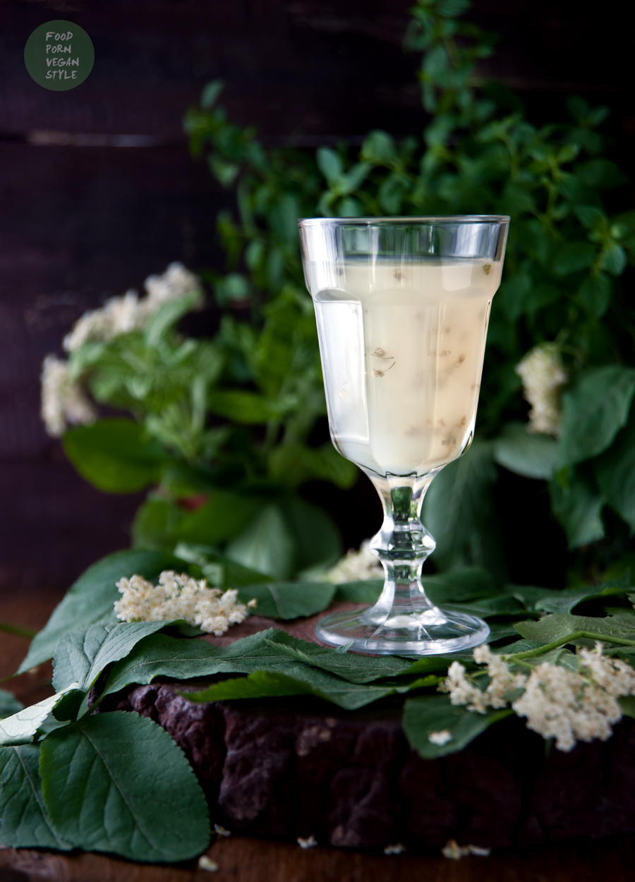 Elderflower jelly pudding