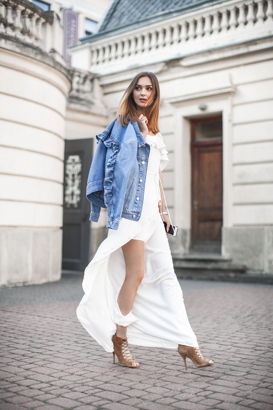 white-maxi-dress-outfit-ideas-street-style