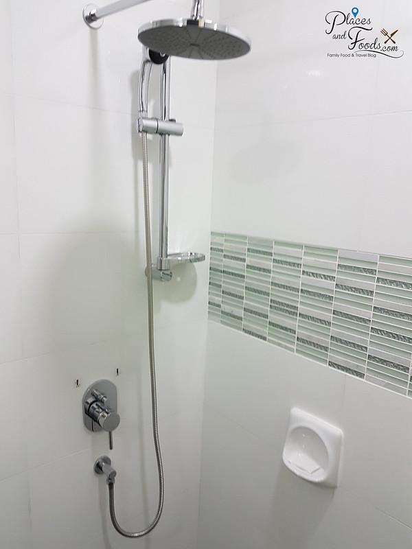 nadias hotel langkawi room bathroom