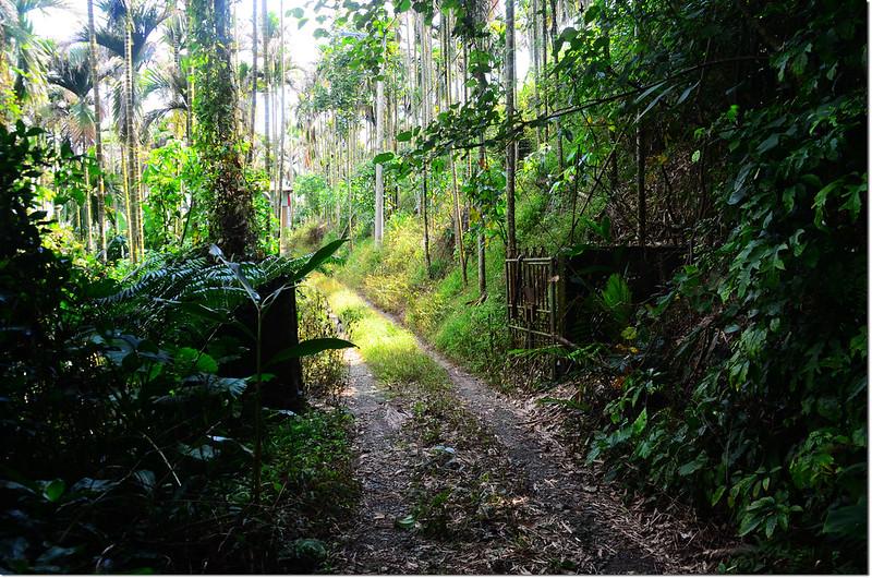 雙冬山登山步道鐵門