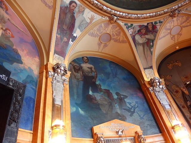 プラハ市庁舎ミュシャ