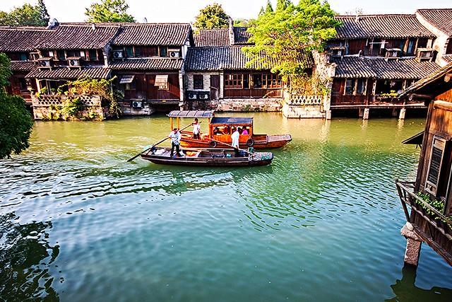 Bateaux sur la rivière de Wuzhen