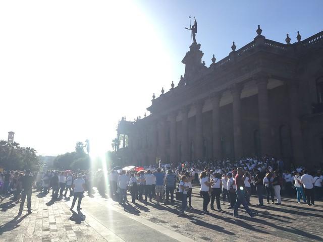 """Miles de maestr@s en NL se solidarizan con Oaxaca y rechazan la """"reforma educativa"""""""