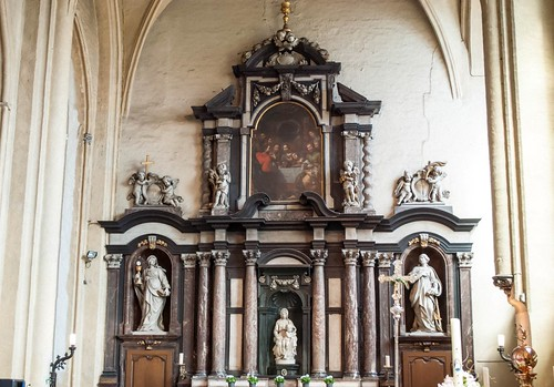 Church of Our Lady Altar with Michelangelo's Madonna