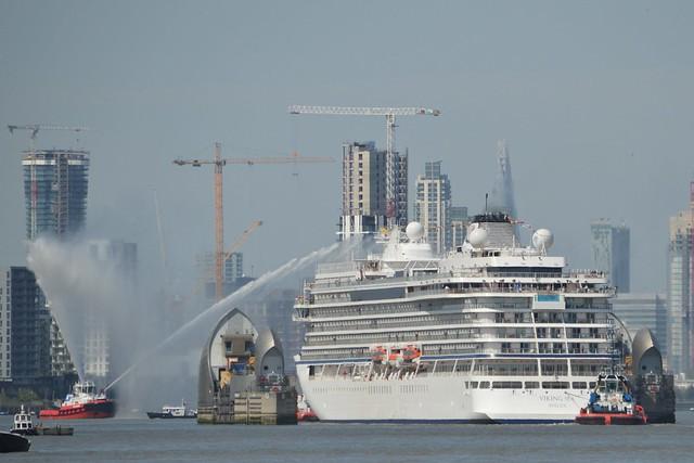 Viking Sea (23) @ River Thames 05-05-16