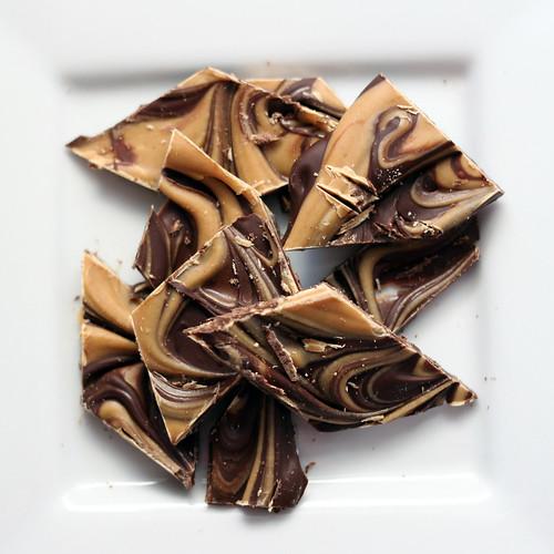chocolate peanut butter bark | A stunning swirl of ...