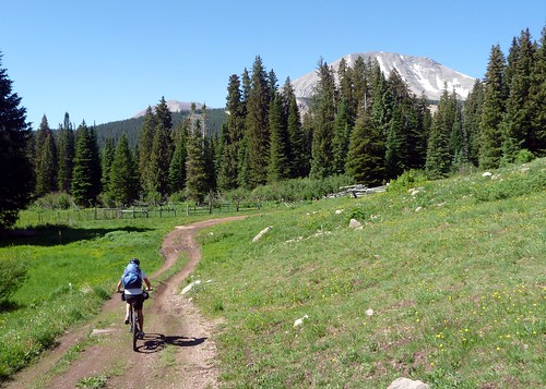 Riding toward Geyser Pass