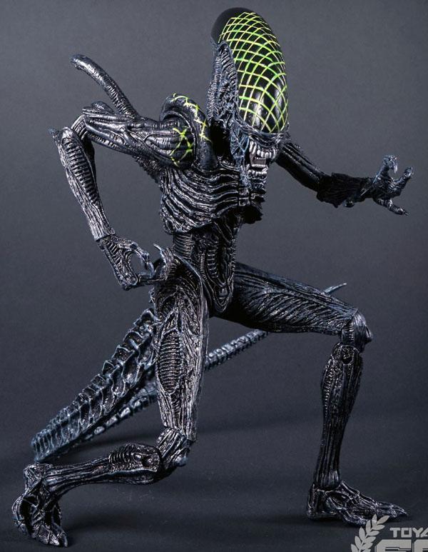NECA_Alien_Grid_02