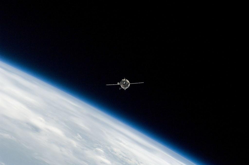 Soyuz_TMA-14_cosmos