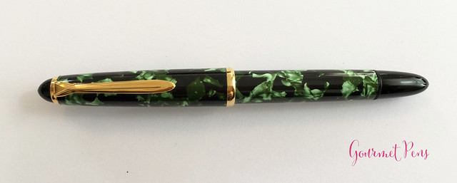 Review Lindauer Classic Piston Fountain Pen - Green Marble3