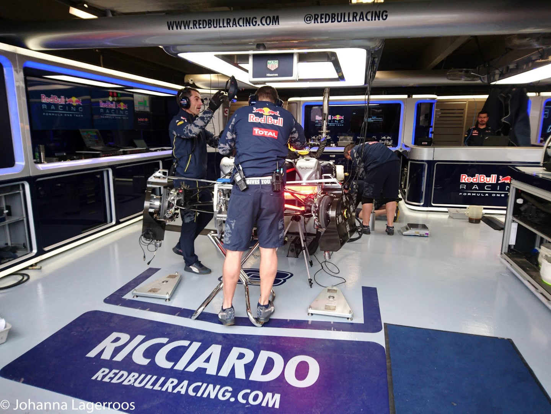 Daniel Ricciardo Pit