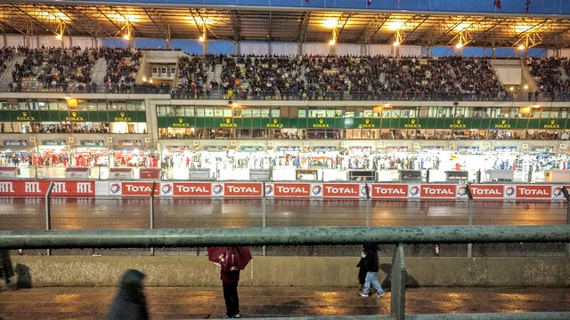 Pitlane during the night time qualifying session