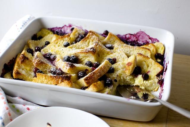 蓝莓面包黄油布丁