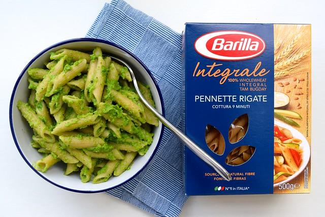 Pea Pesto Barilla Whole Wheat Penne Rigate | www.rachelphipps.com @rachelphipps