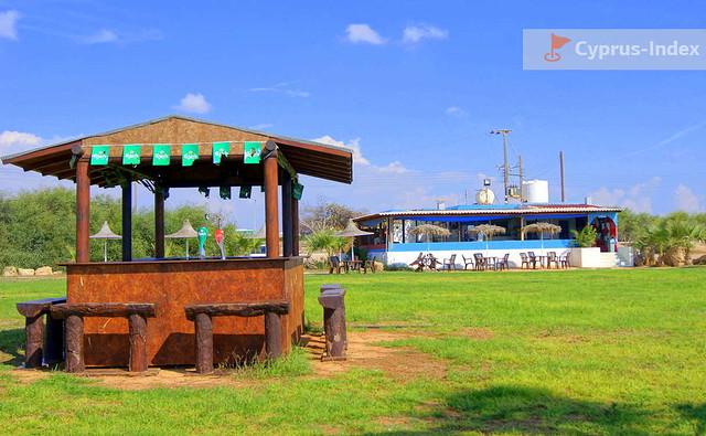 Пляжный бар и кафе Nissaki at Ayia Thekla Beach