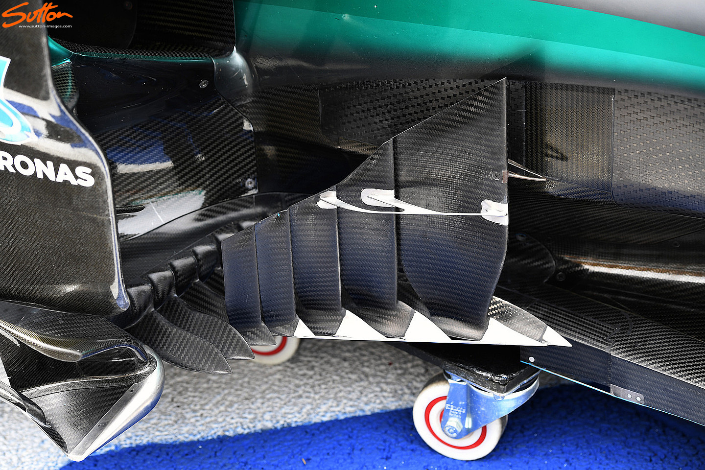 w07-bargeboards