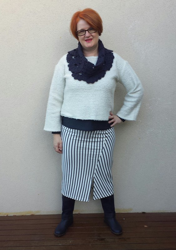 Style Arc Taylor skirt in striped ponte