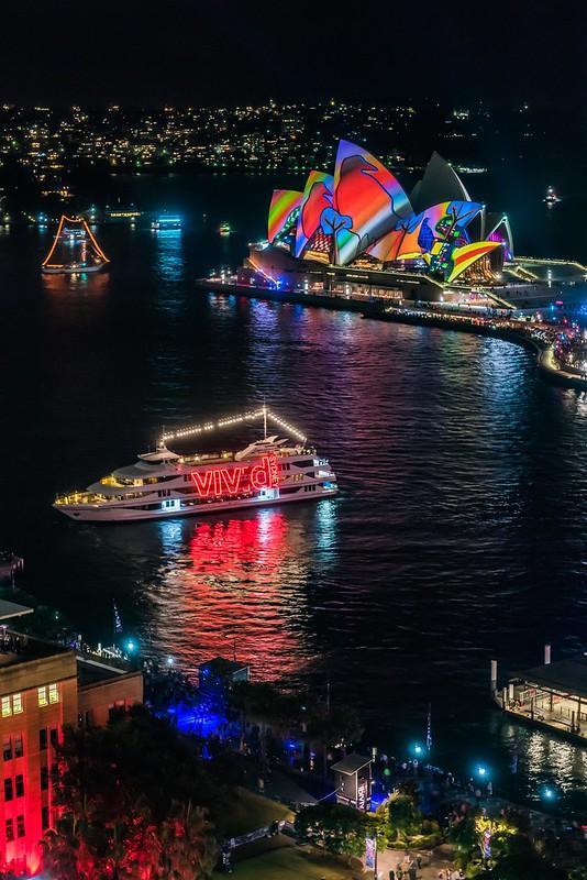 Vivid Sydney 2016_Harbour Lights_CREDIT Destination NSW_KM-7677