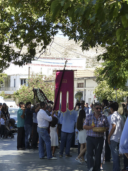 procession du 15 août à Filoti