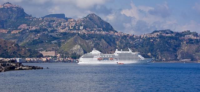 Giardini Naxos cruise terminal