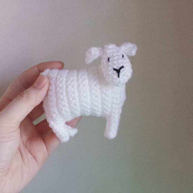 a flipping adorable sheep! 😍 He's naked now but he'll get his sweater soon 🐑 Pattern is by @attic24 #crochetgram #crochetgirlgang #crochetersofinstagram #craftastherapy #amigurumi #crochetaddicts #makersgonnamake