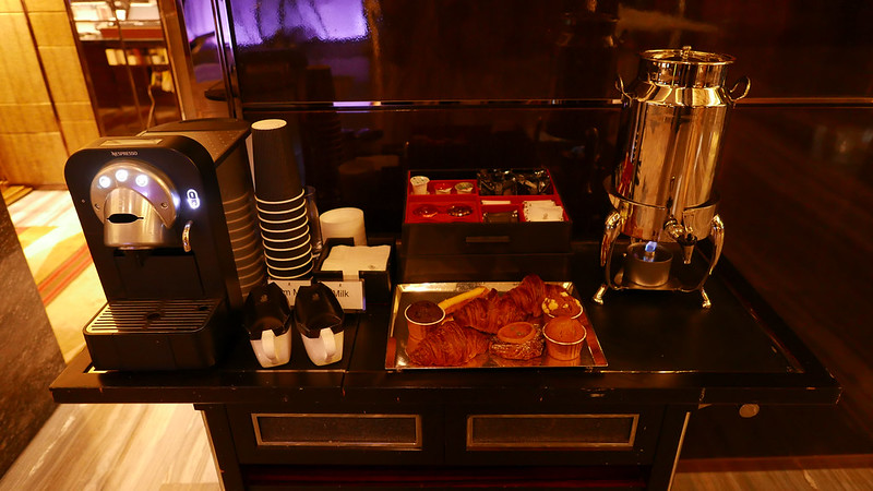27982625231 e800c25cd4 c - REVIEW - Ritz Carlton Hong Kong (Deluxe Harbour View Room)