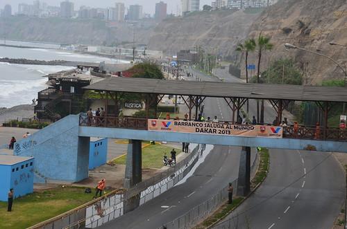 Bild von der Fußgängerbrücke über die Uferstrasse bei Barranco