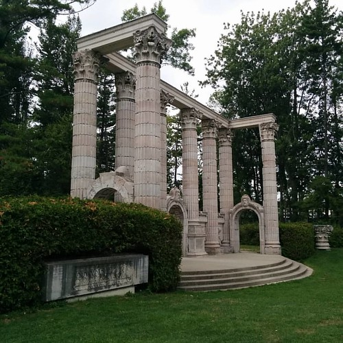 Temple gate #toronto #guildinn #guildpark #follies