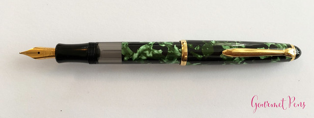 Review Lindauer Classic Piston Fountain Pen - Green Marble9