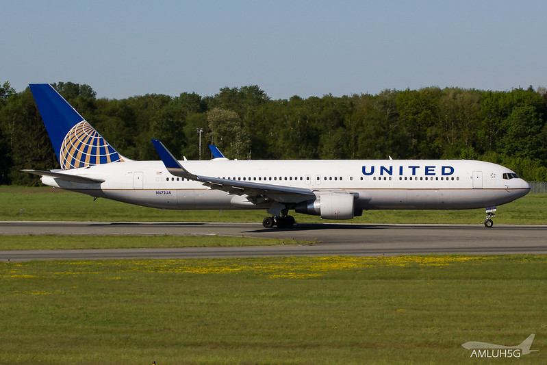 United Airlines - B763 - N672UA (2)