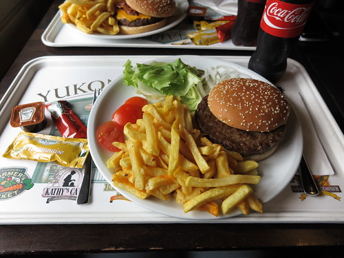 Giant Beef Burger am Klondike Grill im Zoo Hannover (so bekommen)