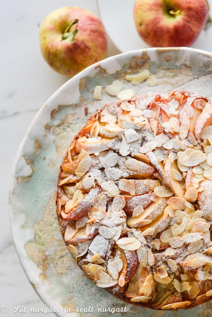 õunakook mandlijahu ja oliiviõliga