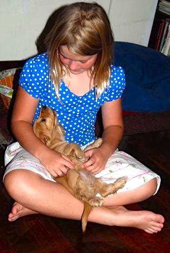 Kylie met Millie 1 February 2008