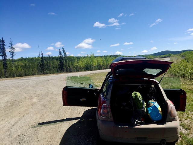 roadside lunch / air out car
