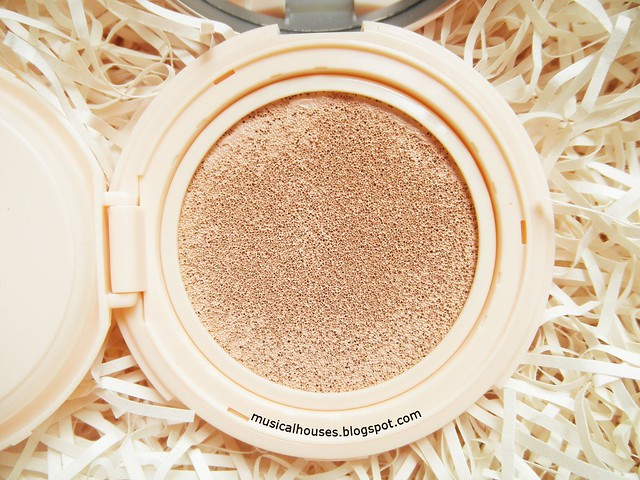 Etude House Real Powder Cushion Review Close Up