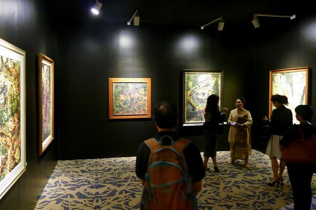 インドネシアを代表する作家、アファンディの展覧会も開催。