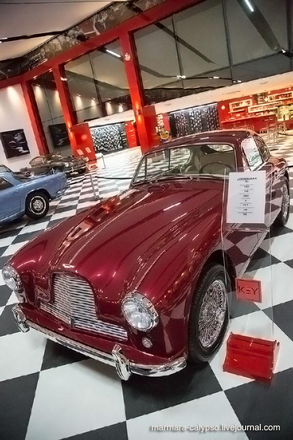 68-1-Aston-Martin-D82-1955