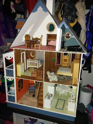 Sister's dollhouse, loaned furniture