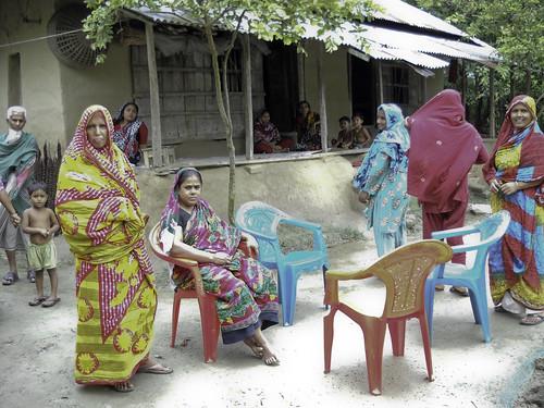 Community members in the Khulna Hub attending an AAS meeting, Bangladesh. Photo by Silvia Sarapura.