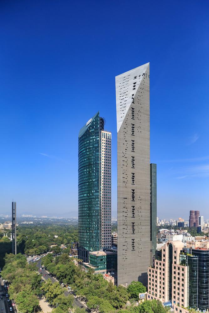 Torre Reforma: монолитный небоскреб в Мексике