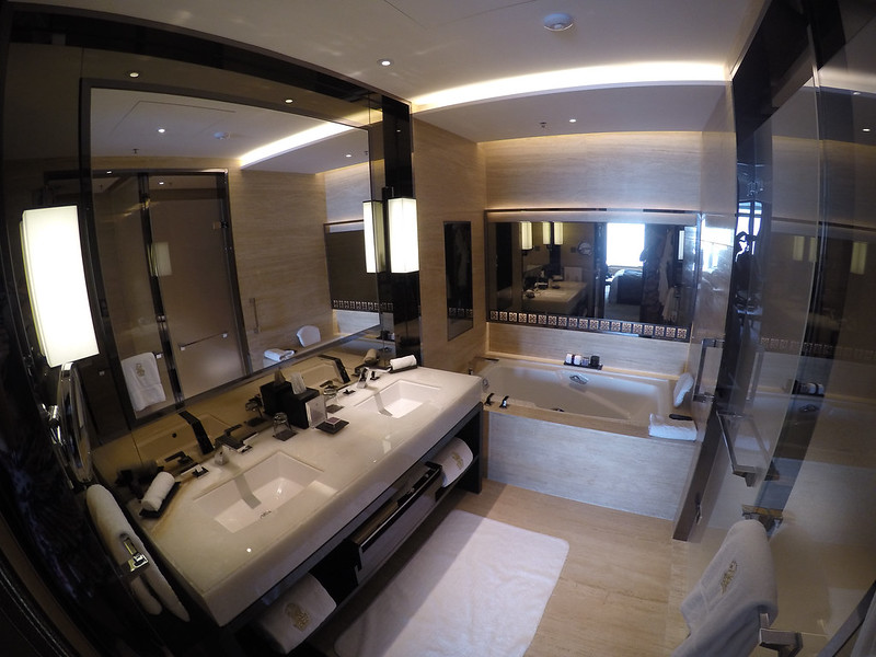 27979566711 f4a0b8cec6 c - REVIEW - Ritz Carlton Hong Kong (Deluxe Harbour View Room)