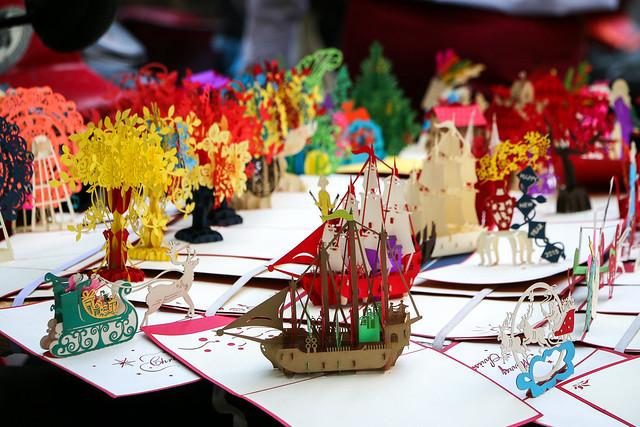 Beautiful paper crafts, Hanoi, Vietnam ハノイ、見事なペーパークラフト